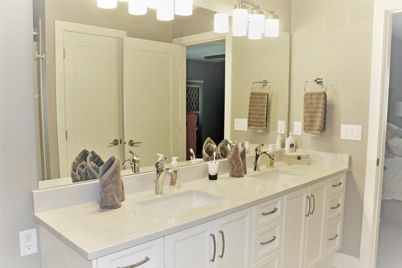Greenwood Bathroom.png