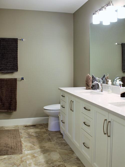 Greenwood Bathroom3.png