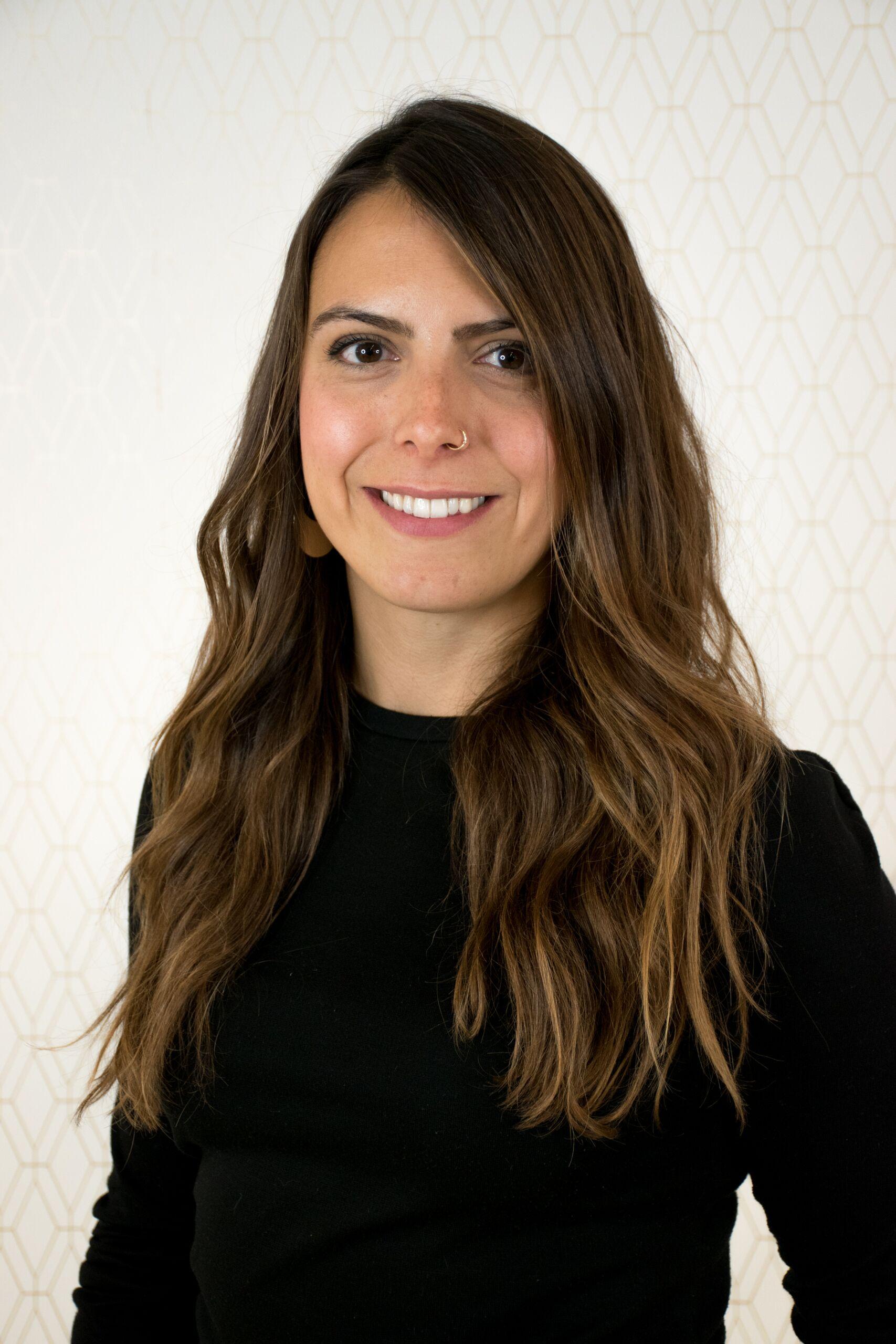 Larissa Borchert - Senior Stylist@hairstylist_larissa