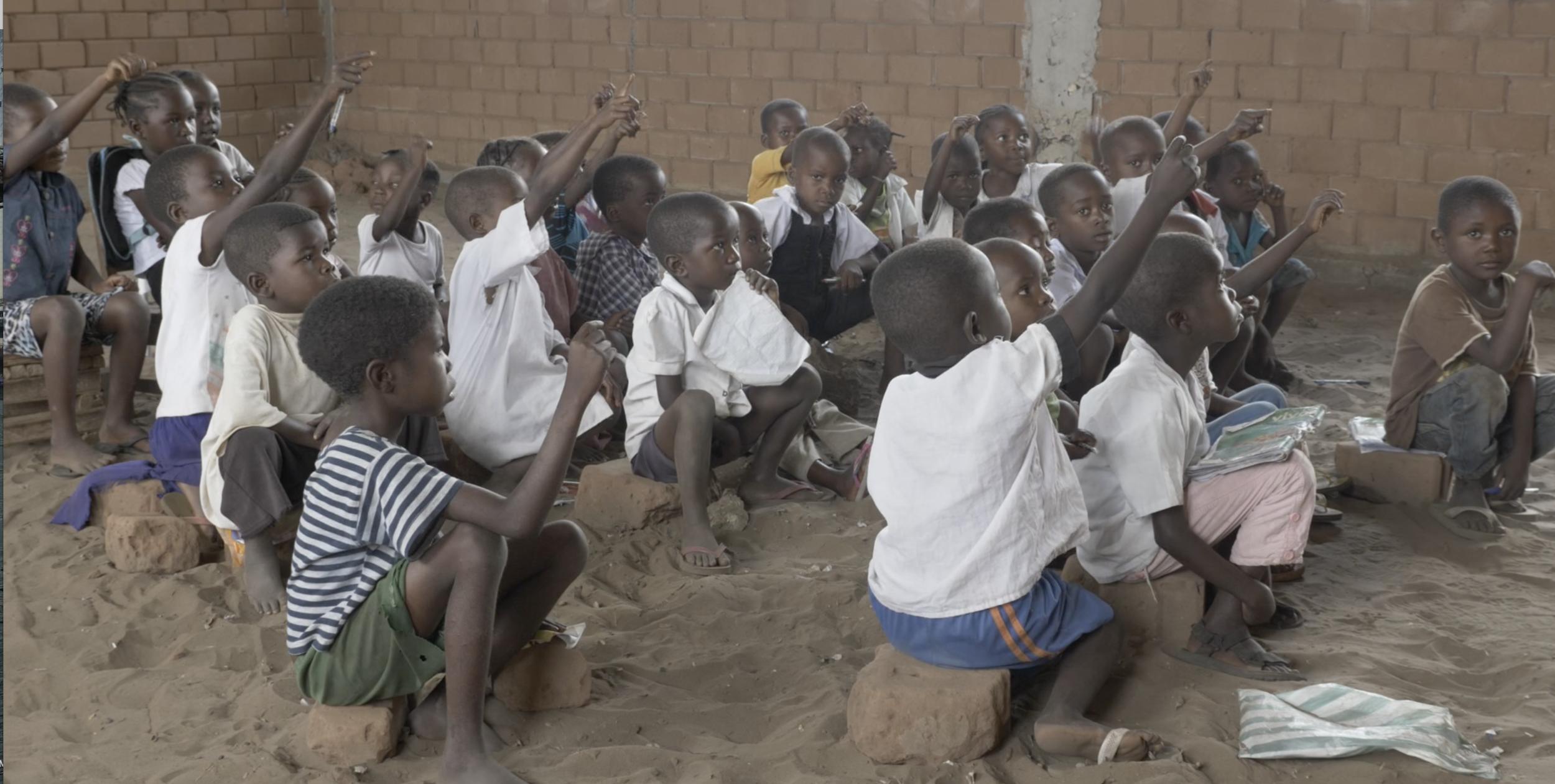 Gufwa-Gubila Primary School - 276 Students (129 girls, 147 boys)13 Classes and 14 Staff (4 Women)