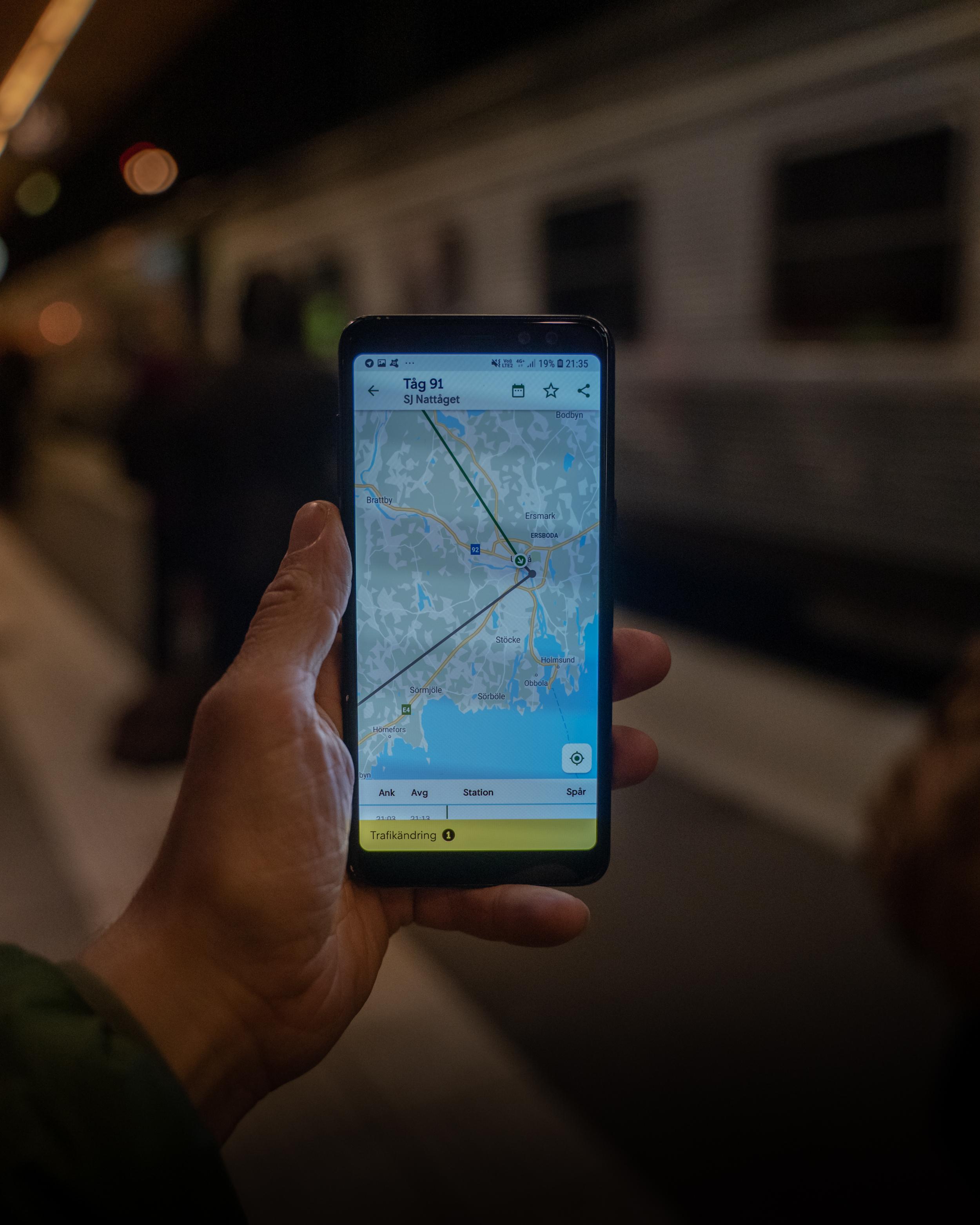 Med appen SJ Labs kan du se exakt var tåget är. Praktiskt om det är förseningar och roligt när man är ombord.