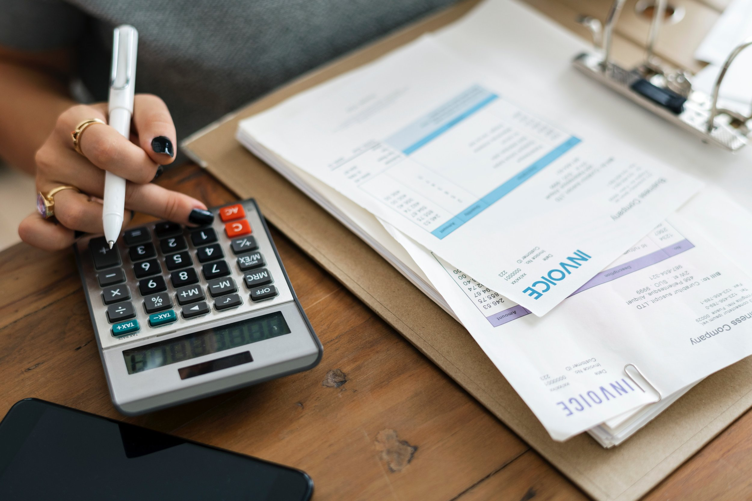 Calculators for Home Buyers - Affordability Calculator - How much house can I afford?Mortgage Calculator - What will my monthly payments be?Savings Calculator - How should I save for a down payment?Debt-to-Income Calculator - How much of my income is paying down debt?