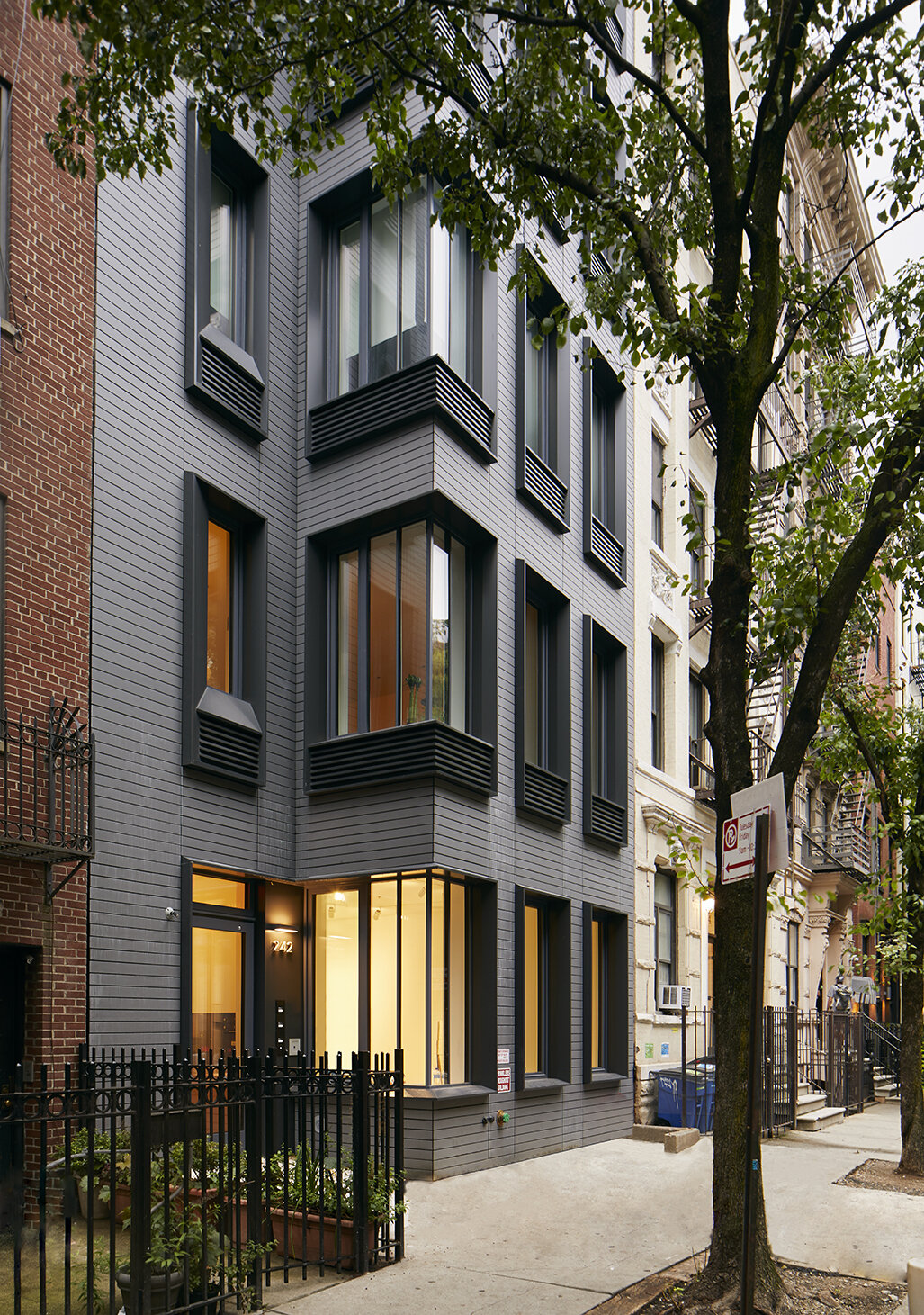 FITTING IN - PASSIVE HOUSE   Chelsea
