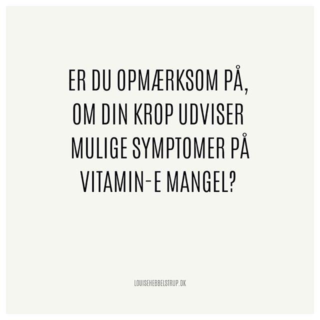Weekenden er lige om hjørnet, og E-vitaminet har fået sit eget opslag til muligvis at skyde din lidt klogere i gang på 🥳 . E-vitaminet er fedtopløselig og skal derfor indtages med fedtholdige måltider for at optages☝️Det går desuden tabt i harske madvarer og olier, (olier bør altid opbevares mørkt og køligt), så derfor er det et must, at kosten er frisk, hvis du ønsker det som en kilde til vitaminet 🍽 . Det har bl.a. betydning for: ✔️ at medvirke til at forebygge for tidlig aldring 👵🏻 ✔️ at beskytte dine celler mod oxidativt stress 💥 ✔️ at beskytte mod åreforkalkning ✔️ at forbedre dit blodkredsløb ✔️ at øge indholdet af hjertevenligt kolesterol (HDL) ♥️ . Symptomer på vitamin E-MANGEL kan bl.a. vise sig som: ✔️ hormonel ubalance, som måske medvirker til menstruationsproblemer, godartede brystknuder, impotens, uønsket barnløshed 🙅♀️ ✔️ mangel øger risiko for tidlig aldring, svækket syn, demens, Alzheimers, cancer 👀 . Igennem din kost kan du få kilder til E-vitamin via bl.a. hvedekimolie, solsikkeolie, solsikkekerner, tidselolie, mandler, pinjekernefrø, hasselnødder, majsolie, hørfrøolie, torskerogn og mange flere 🌻🌽🌰 . RIGTIG god fredag! ☺️