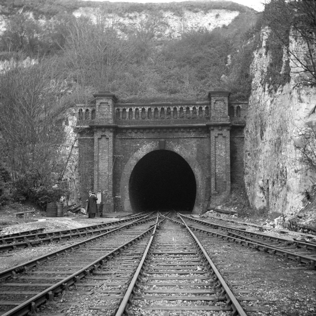 Tunnelold.jpg
