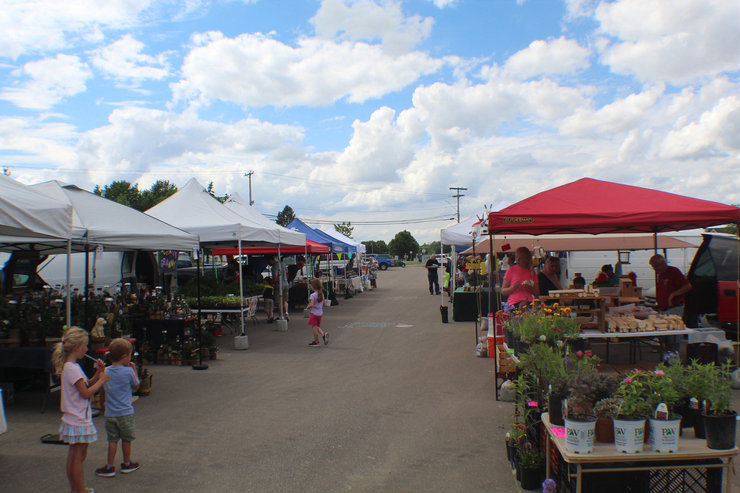 Picture of farmers market 2019