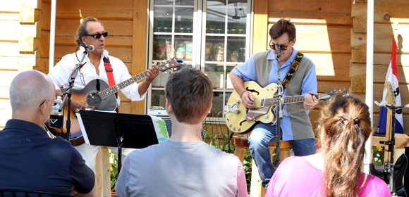 Anyone who has visited Harbor Ridge Winery knows that we love music.  In the summer you might find a band randomly pop up on our patio as well.