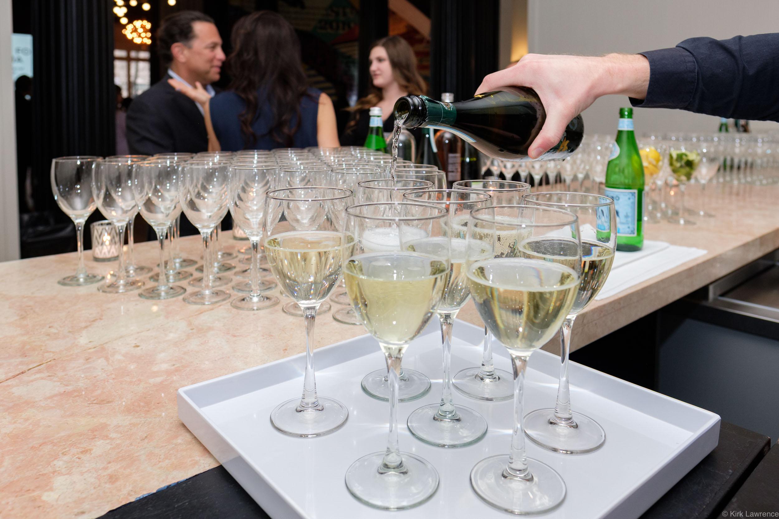 white_wine_glasses_pour_Kula_For_Karma_event.jpg