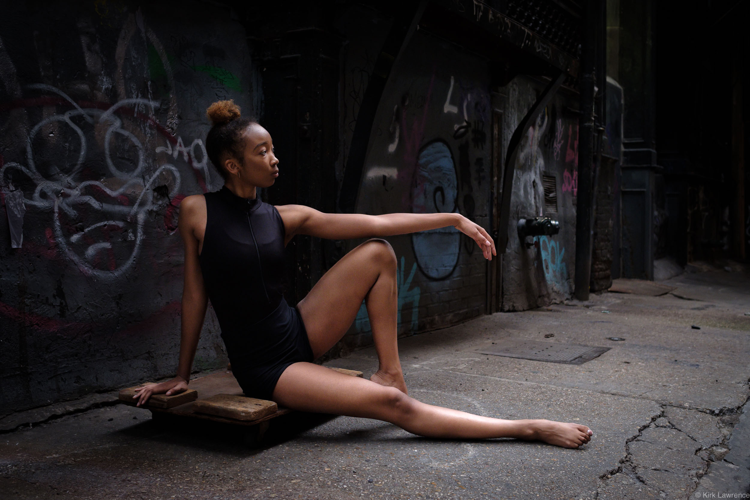 dancer_New_York_City_alley.jpg