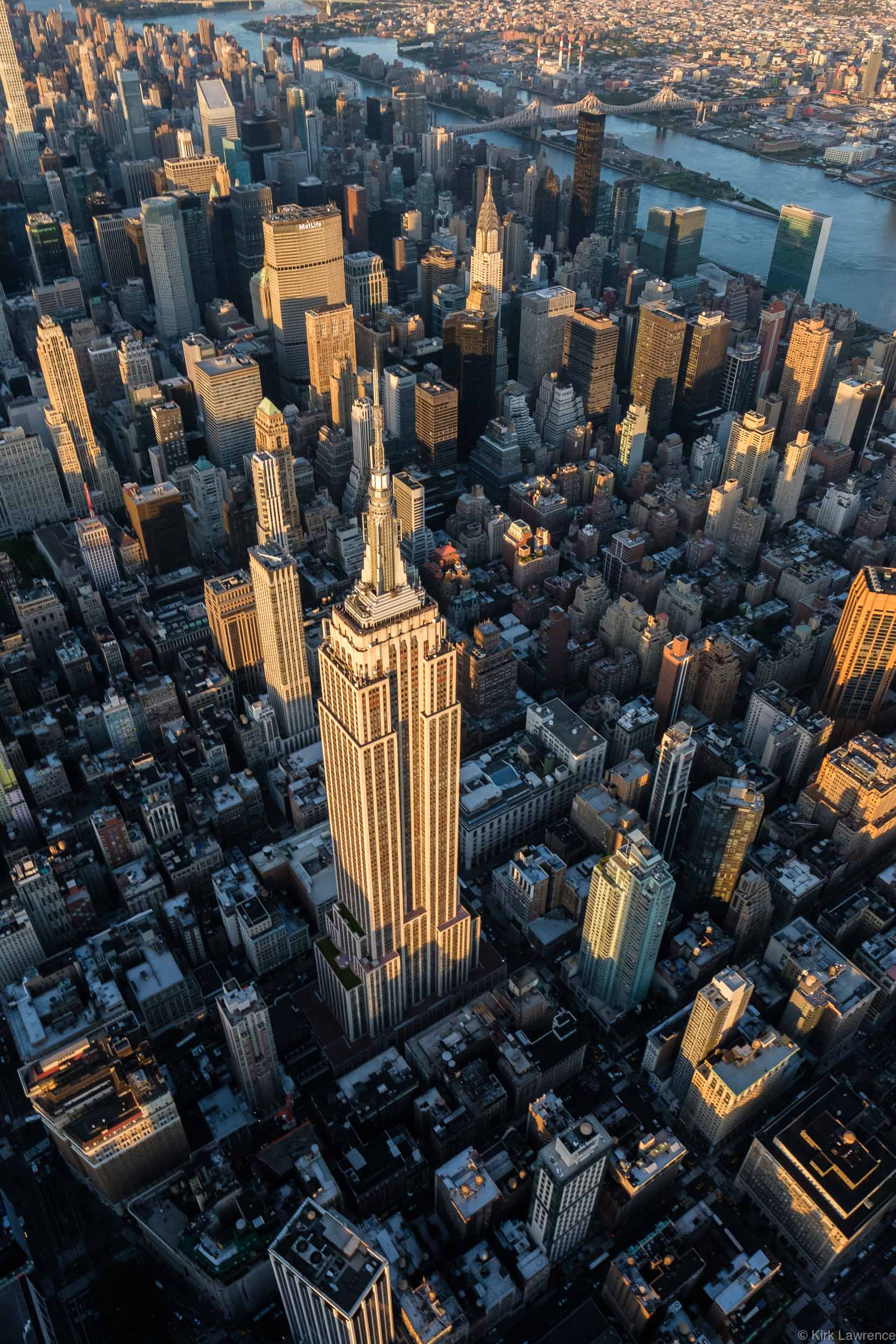 helicopter_view_Empire_State_Building_New_York_City.jpg