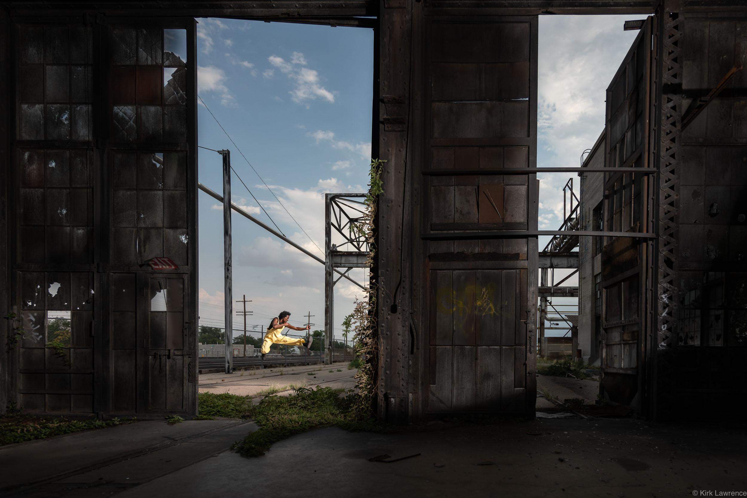 capoeira_dancer_Albuquerque_train_yard.jpg