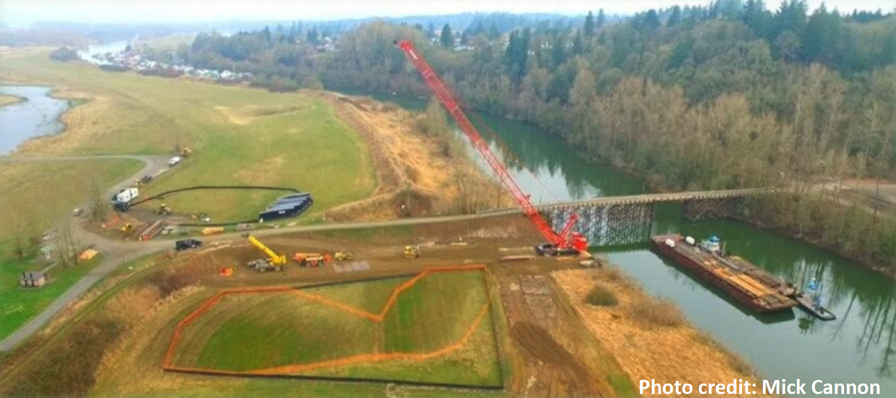 The big, 300-ton capacity crane is now operational. Its adorable yellow sibling can be seen to its left.