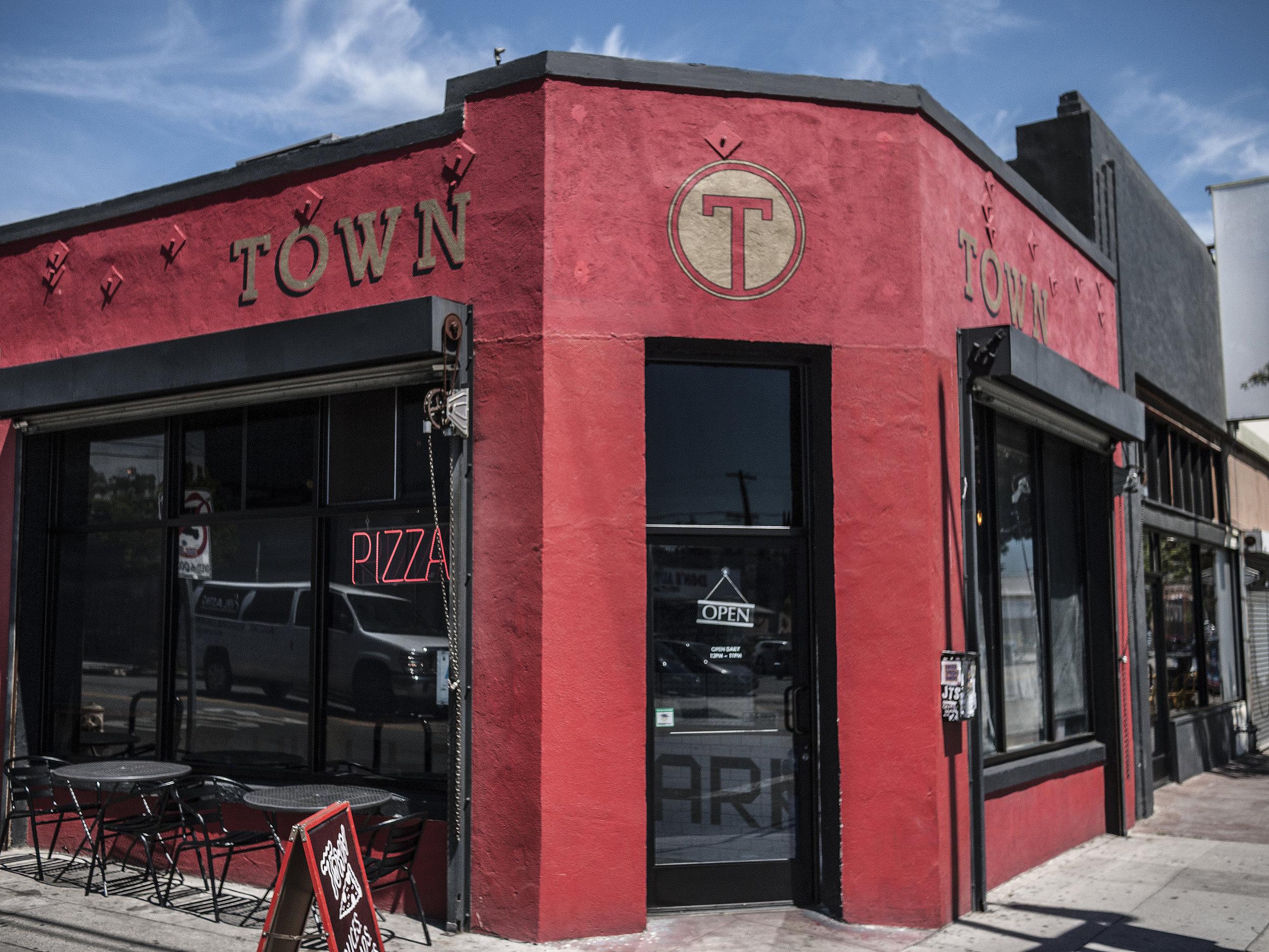 town_pizza.jpg