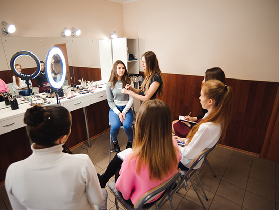 Group Makeup Lessons - Considering teaming up with a group of friends to do to your own makeup? Start with our group makeup lessons. We offer in-depth knowledge about the most advanced makeup techniques. Our local West Palm Beach makeup artist will you how to slay in no time.Schedule your makeup course today >>