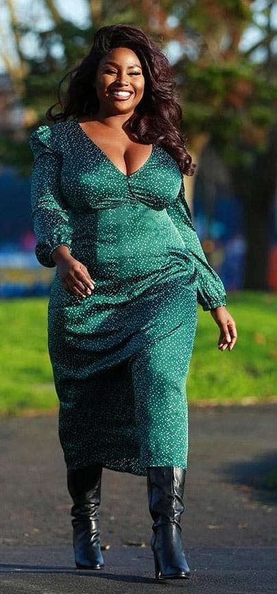 Dress  @Boohoo  and Photography  @mekxphotography