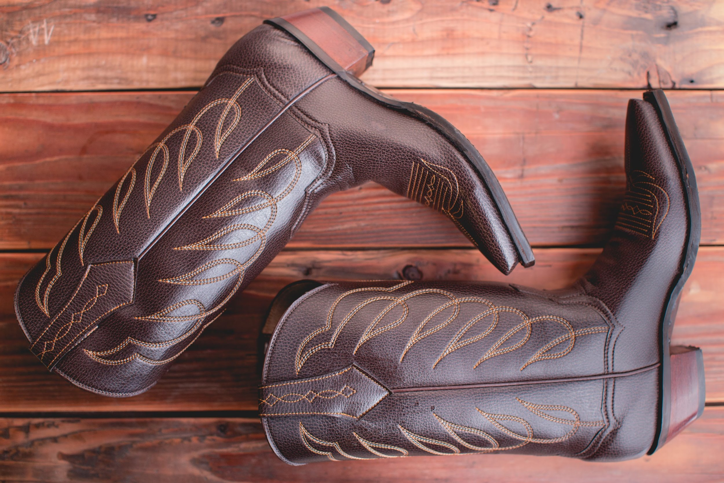 Photography by Lindsey Miller-KatBoots6boots-Fall-56. Photo credit to  https://www.lindseymillerphoto.com .