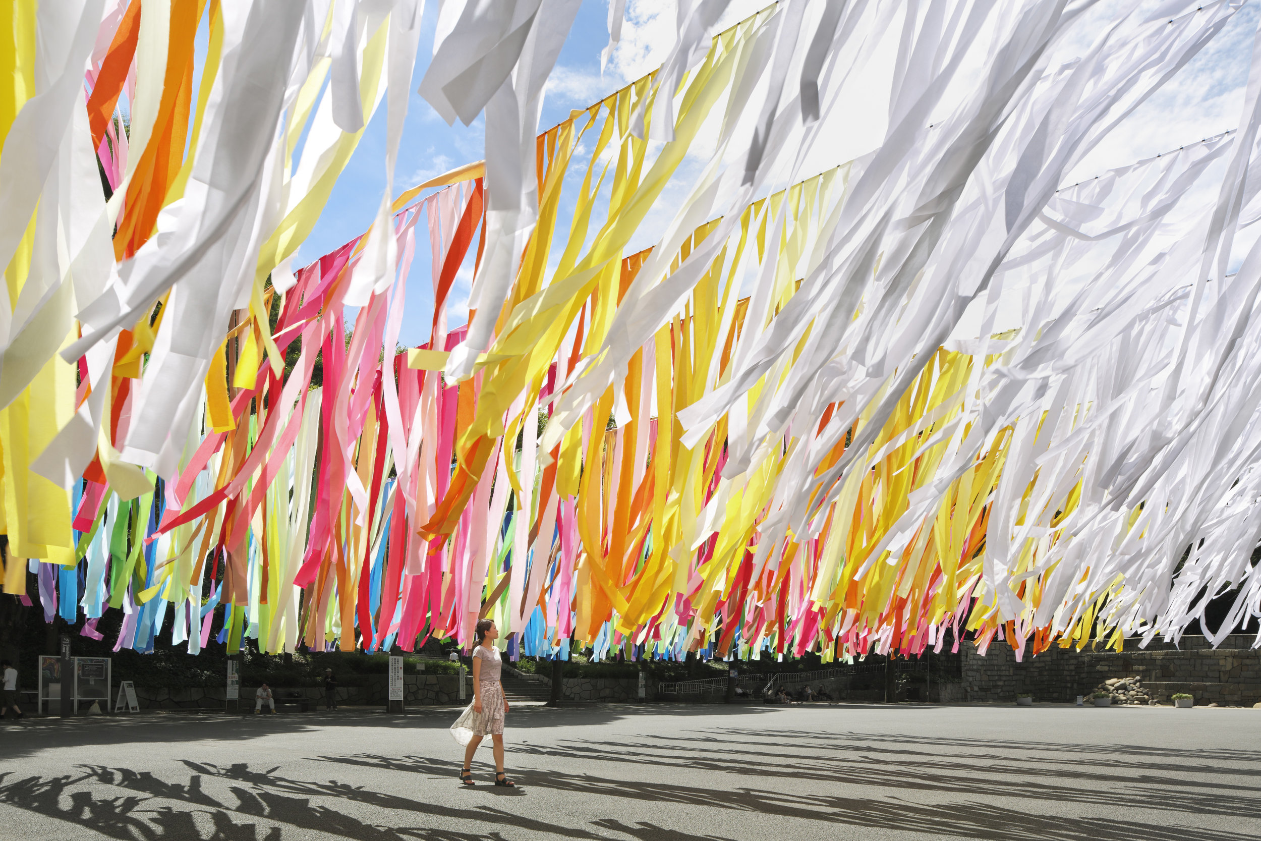 Project : 100 colors / Shinjuku Central Park,  Summer 2014  Architect /designer : emmanuelle moureaux (emmanuelle moureaux architecture + design) Photograph : Daisuke Shima / Nacasa & Partners