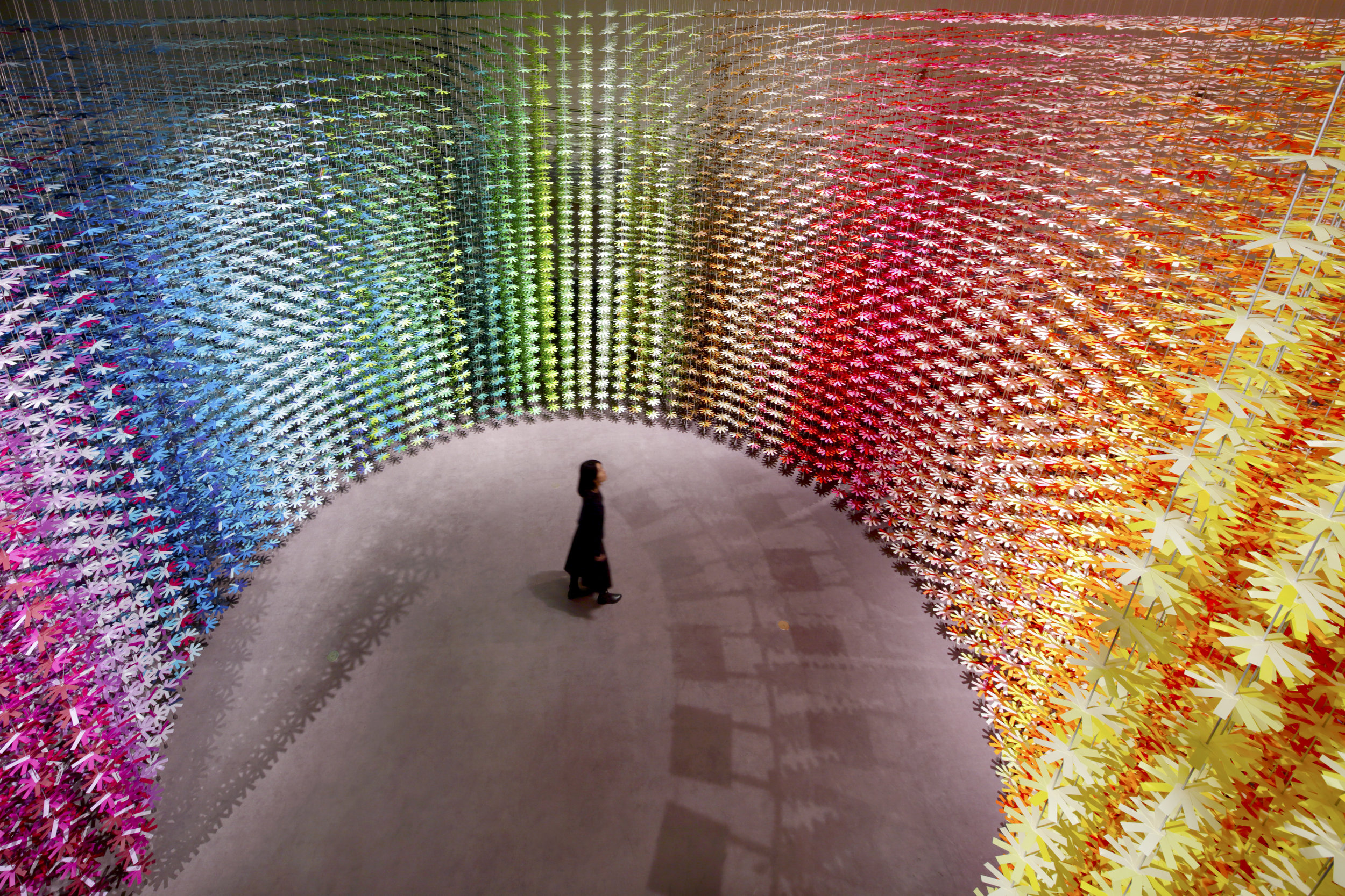 """Project : COLOR MIXING  - Rotating colors. Mixing colors. Moving hearts -  for NSK 100th anniversary exhibition """"SENSE OF MOTION""""  Design : Emmanuelle Moureaux Photograph : Daisuke Shima"""