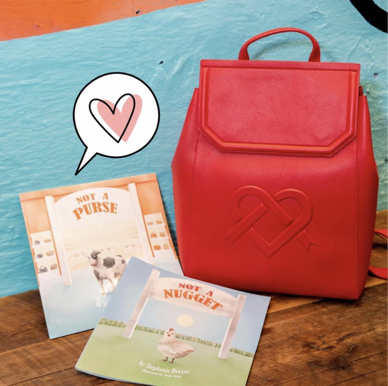 The LIVIA satchel + backpack.
