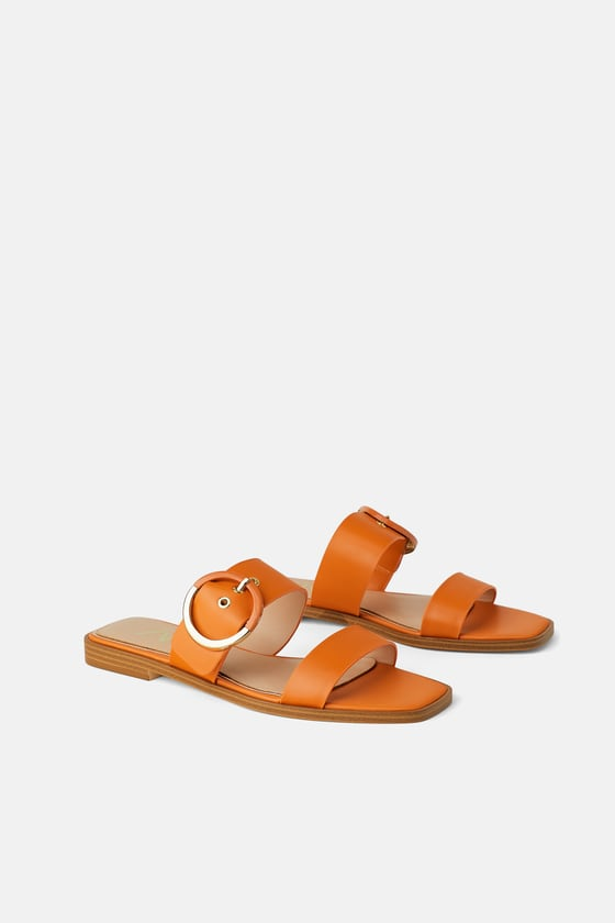 Flat Leather Sandal with Buckle   https://fave.co/2RwbOdN