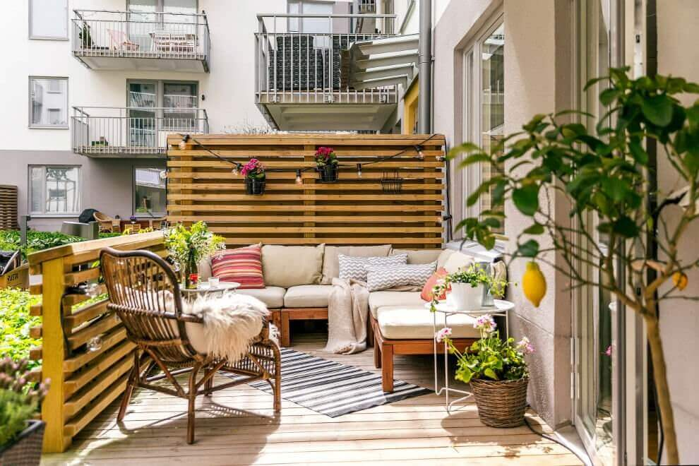 small-balcony-design-ideas-garden maintenance