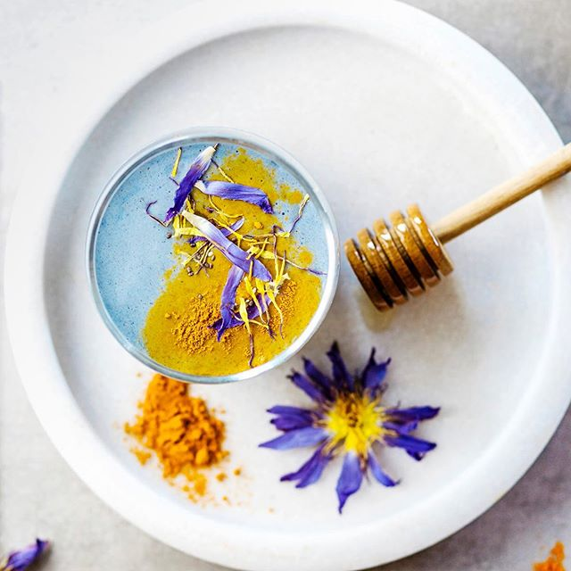 Happy Monday 🔆 Have you added turmeric in your diet yet? Turmeric may be the most effective nutritional supplement in existence - can prevent Heart disease, Alzheimer's, cancer, arthritis and more. #turmeric #staymeetswellness