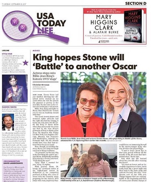MOM @chrisrabies shoulder & I made the cover of #usatodaylife with #billiejeanking #emmastone #andreariseborough! Not to mention #stevecarrell who's further down the page.. ✨ ohhh hoLLYWOOD @battleofthesexesmovie #battleofthesexes @usatoday
