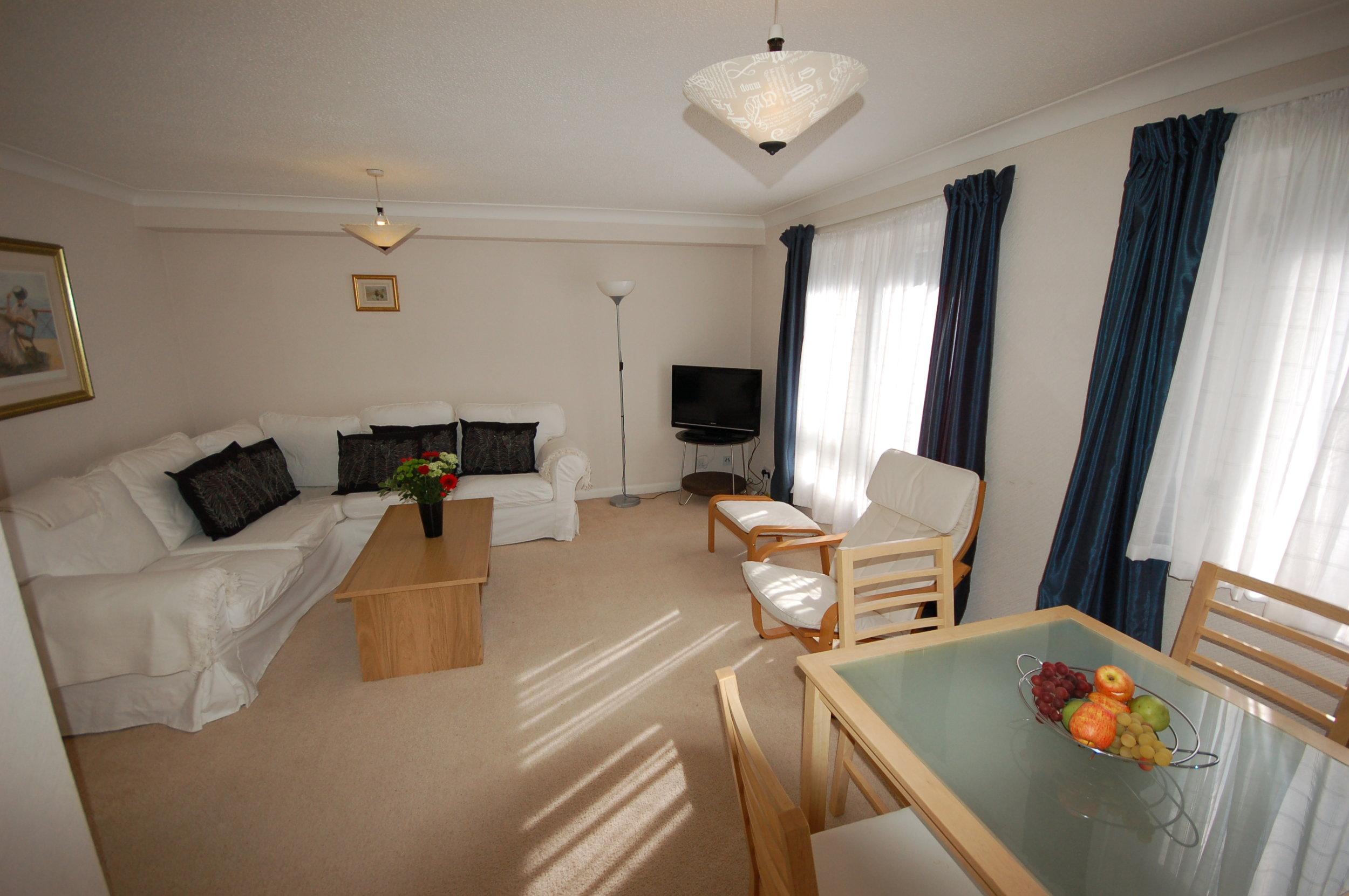 livingroom1_5800296554_o.jpg