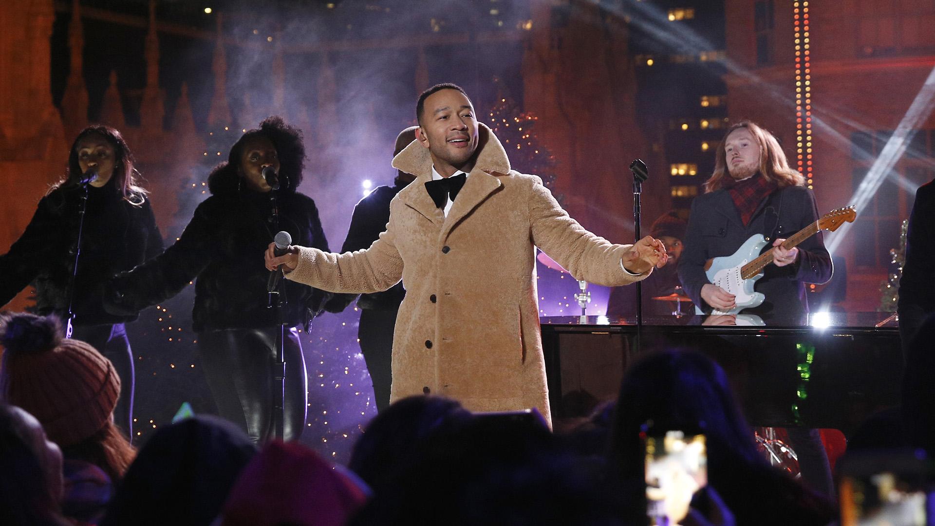 Ben Eunson performing with John Legend on NBC, 2018