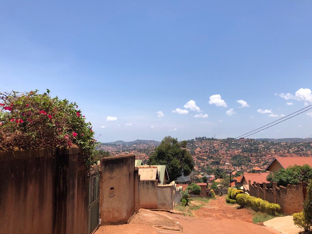 Blick auf Kampala, auf dem Weg zum Hospiz