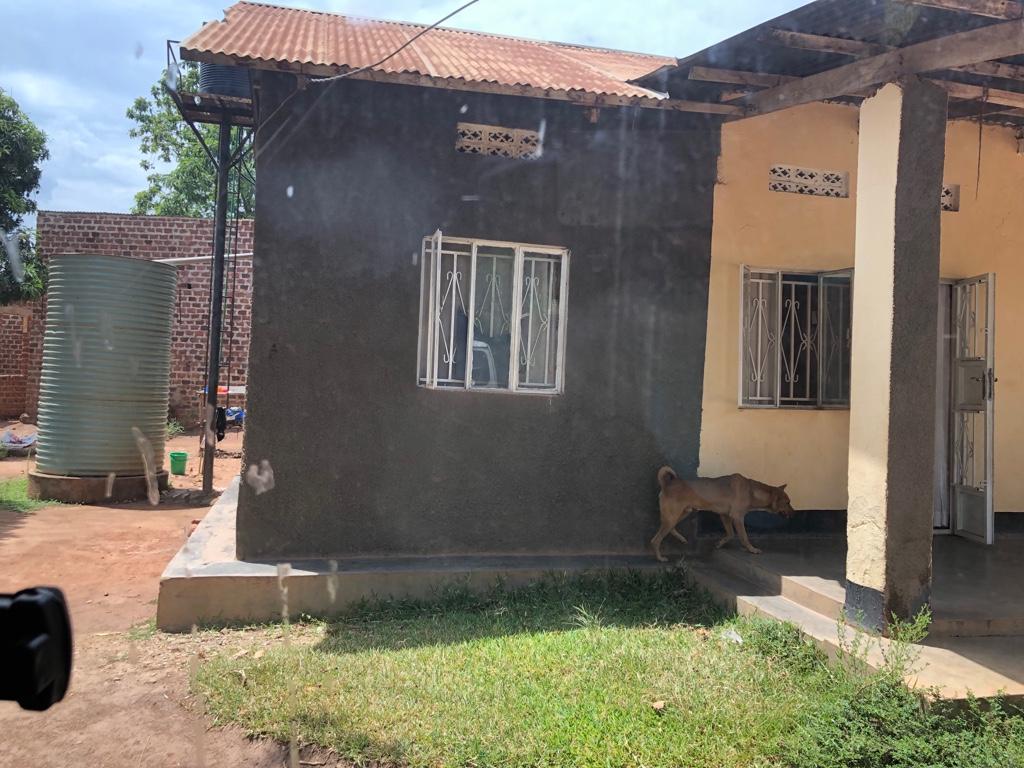 1. Haus von außen
