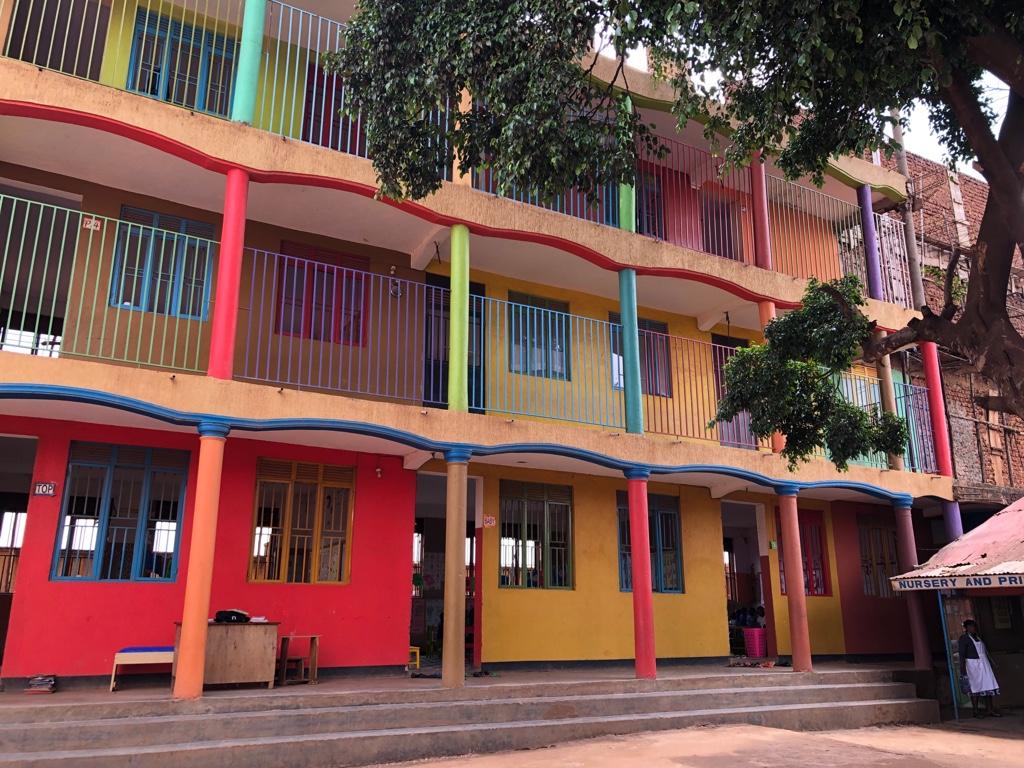 Die bunte Privatschule in gutem Zustand