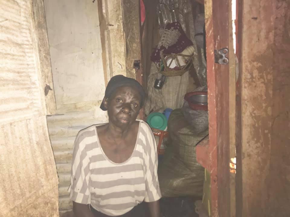 Betty in ihrem bisherigen Haus