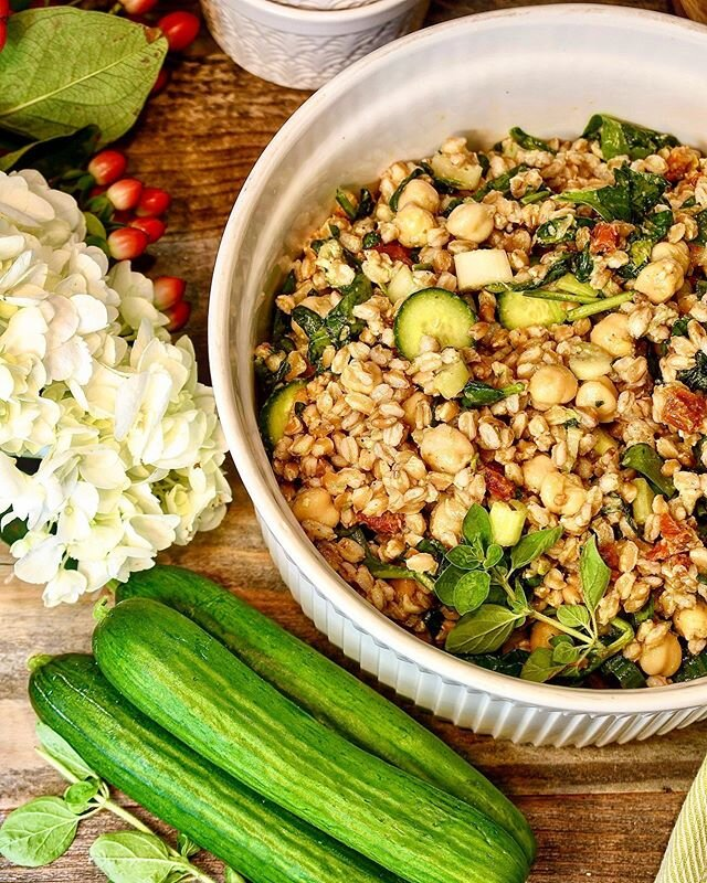 Sun-dried tomato, cucumber, and chickpea picnic salad || Everyone keeps asking what they should bring to barbecues this summer, and I think this might be your answer. This is a super simple salad to rustle up, doesn't spoil in the heat, and tastes delicious. I'm including the recipe in case you want to click save to have it on hand next time you're headed to a cookout.  2 cups cooked Farro (or rice, orzo, quinoa, couscous, etc.) 2 cups cooked white beans 1 cup artichoke hearts, halved 1/3 cup onion, diced 1 cup sun-dried tomatoes, diced 2 cups cucumbers, diced 1 cup celery, diced 1 cup spinach, chopped 1/2 teaspoon pepper 1 teaspoon salt 2 tablespoons white vinegar 1 1/2 teaspoons garlic 1 teaspoon oregano I will have more step-by-step directions up on the blog tomorrow! Does this salad seem like something you would be interested in? What kinds of summer barbecue foods would you like recipes for? Enjoy your grilling!