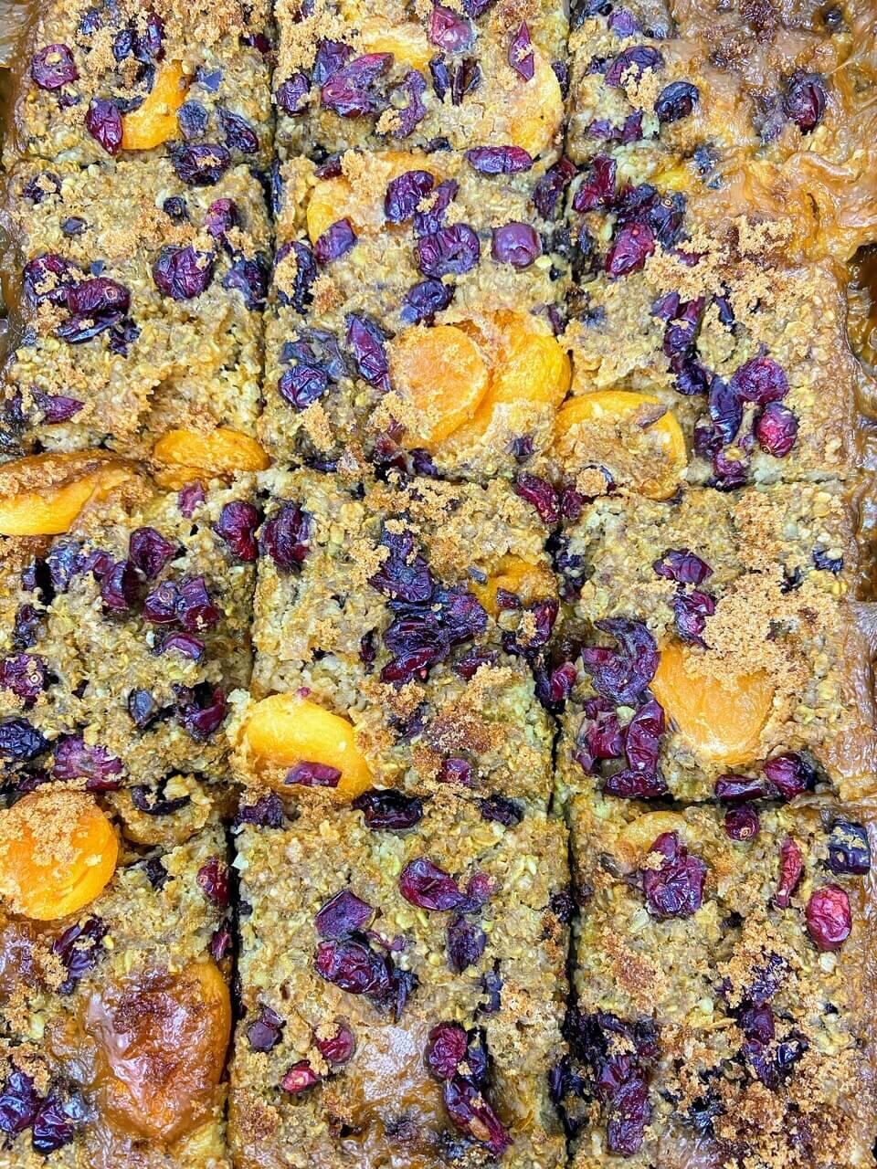 Dried Fruit and Oatmeal Bake