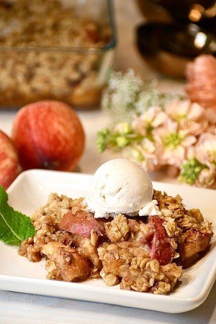 30 minute vegan dessert - 10 to prep, 20 to bake. This peach cobbler is the taste of summer.