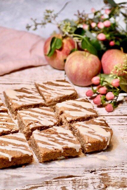 apple maple blondies