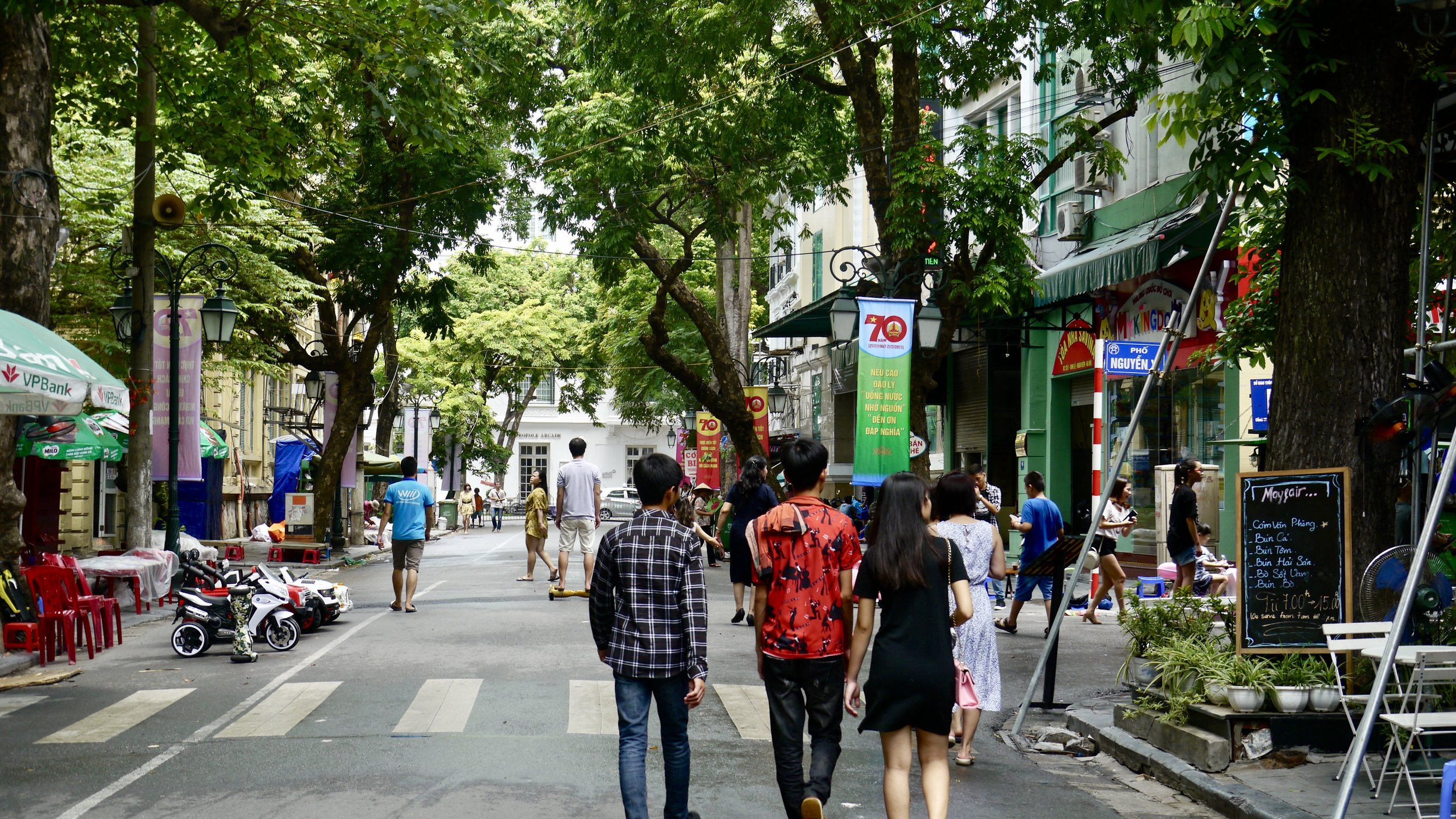 Sundays at the Walking Streets, Hanoi