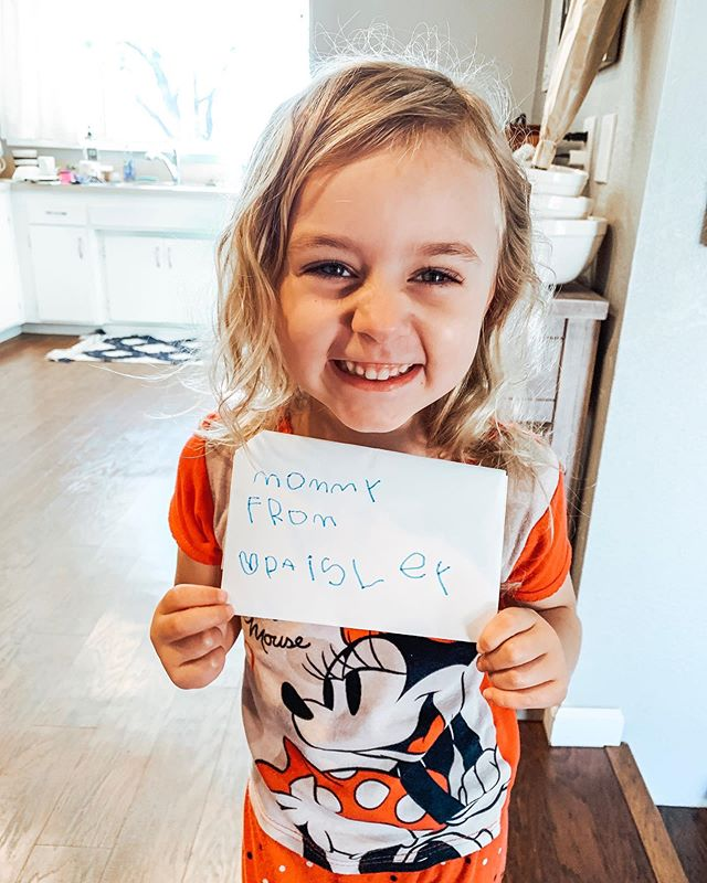 This girl. She's already a girl after my own heart with her gift for written encouragement.  She's always writing cards for people and presenting them with giddy expectation and a contagious grin. I love her heart and pray she never stops using her writing to love on others. 💌  #girlaftermyownheart #paisleyalexis #mygirl #writtenencouragement #raisingthefuture #wordsofaffirmation #lovelanguages #thatsdarlingmotherhood #motherhood #momofboth #pastorskid