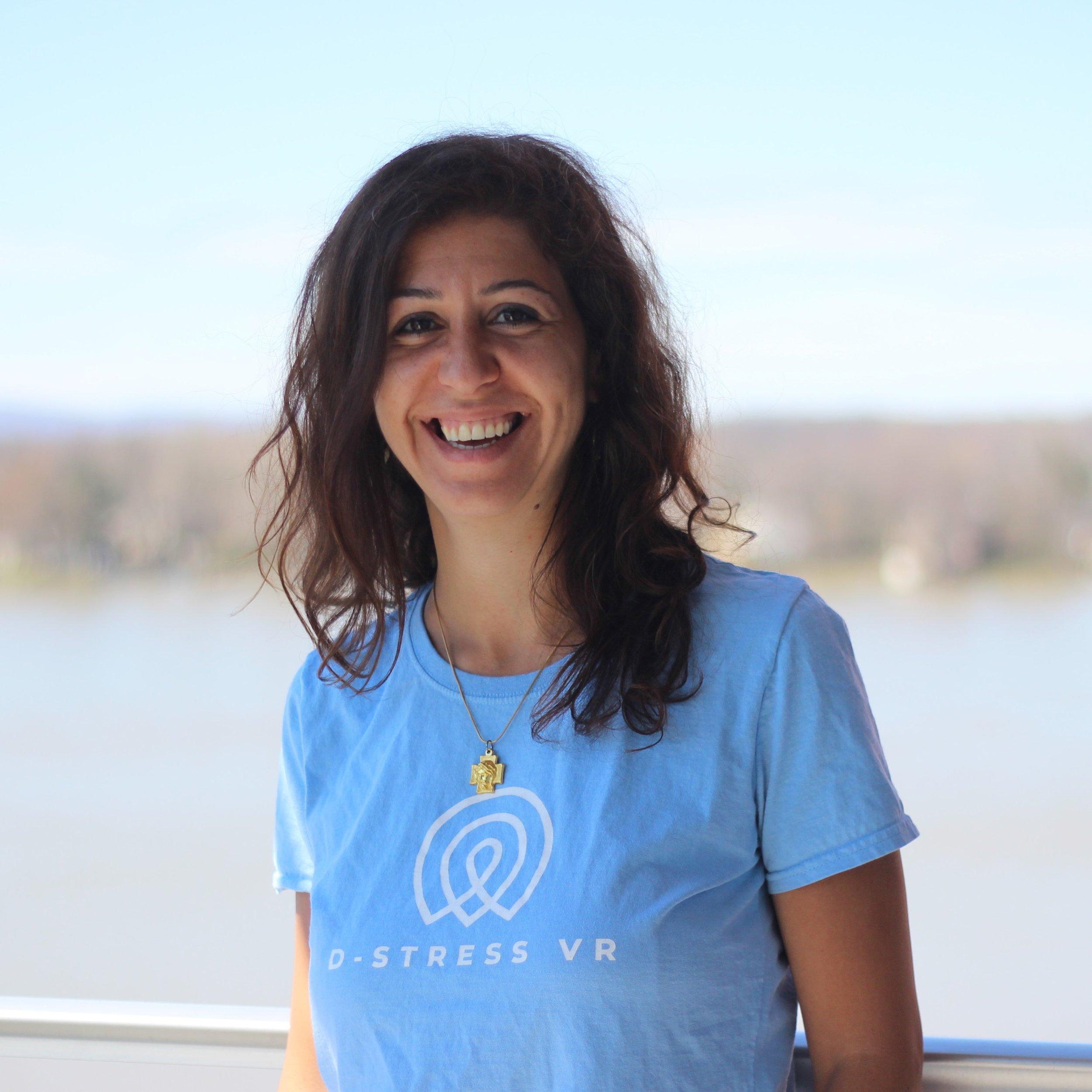 Narimane Hajjar - D-STRESS VR COACHNarimane est une passionnée! Pratiquante assidue de la méditation et du yoga, elle a voyagé en Inde pour apprendre les techniques de Hatha Yoga et de méditation Vipassana. Passionnée par la pleine conscience, elle guidera nos participants vers le calme intérieur pour pleinement profiter de leur expérience de réalité virtuelle.