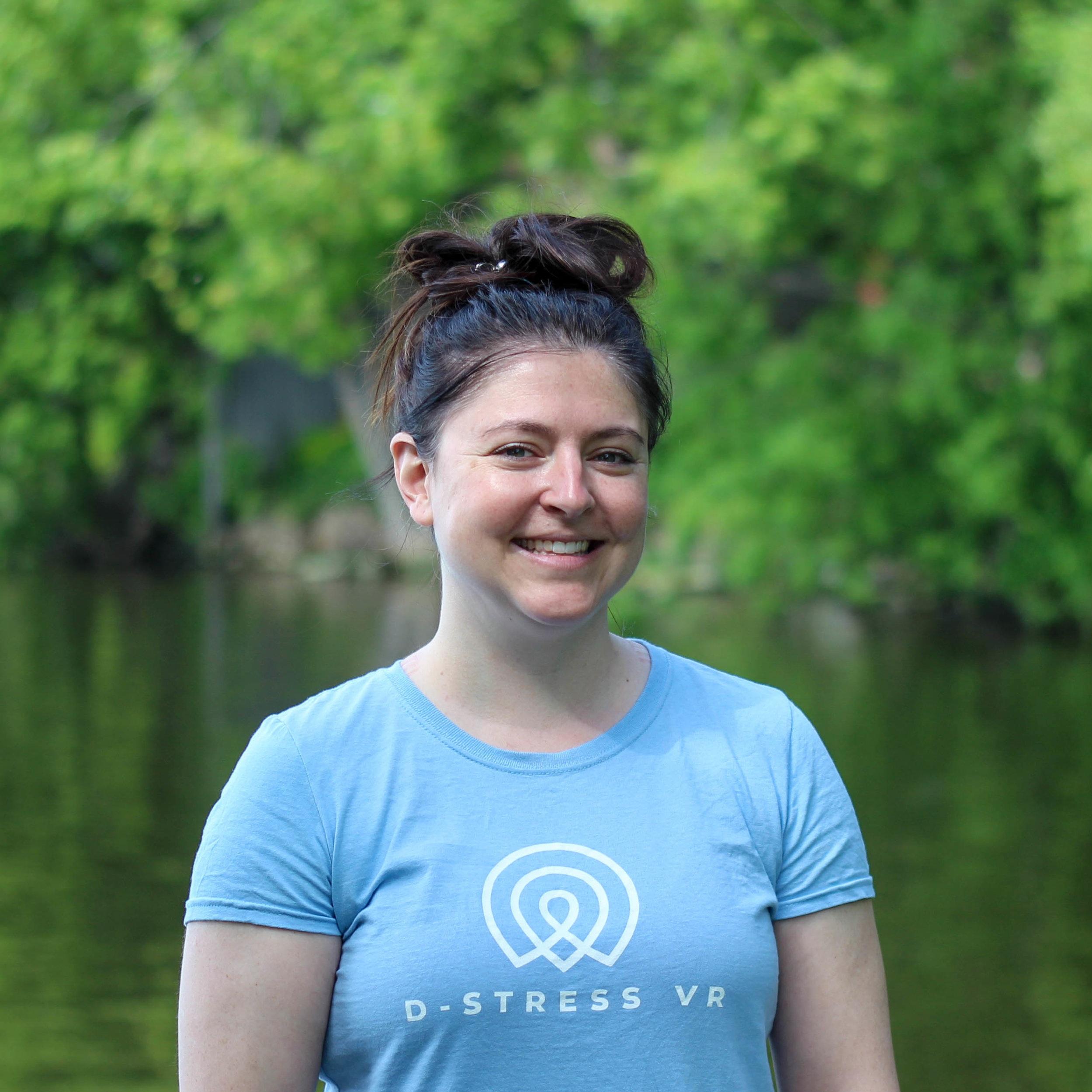 Tracey Aitken - D-STRESS VR COACHTracey est une professionnelle des sciences récréatifs et des loisirs. Son expérience est une valeur ajoutée pour l'équipe, Tracey contribue à l'élaboration et la planification logistique de notre programme D-Stress VR au travail. Tracey est passionnée par la santé et le bien-être. Elle pratique le yoga et la méditation. Elle est une adapte de la pleine conscience, du moment présent et de profiter des petites choses de la vie.