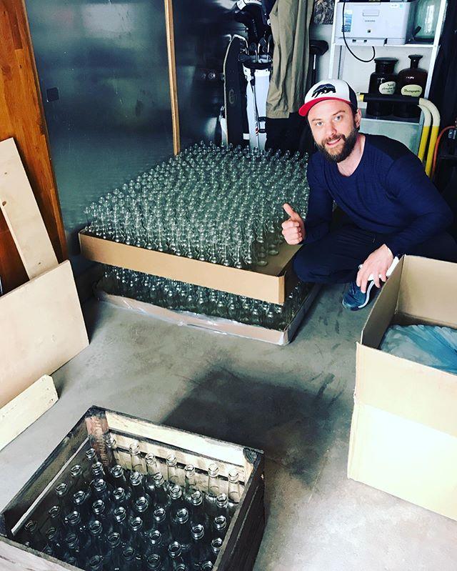 3500❗️nya flaskor till vår kombucha☺️ Har du testat kombucha?  Vad tyckte du? 👍🏽👎🏽 Om du inte har testat - välkomna in till oss på articare och köp en svalkande kombucha med smak av ingefära!☀️ #kombucha #hälsodryck #bryggudden #karlstad