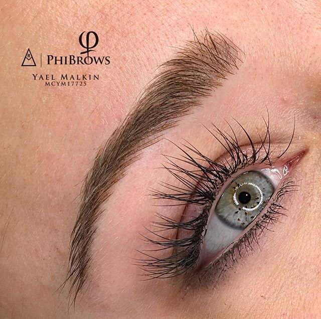 up close and personal with these perfect fluffs... ❤️👏🏼❤️ . . . . .  #microbladingcanada #canadamicroblading #phibrowscanada #torontomicroblading #microbladingeyebrows #microblading #microbladingtoronto #leslievillemicroblading #vaughnmicroblading #richmondhillmicroblading #markhammicroblading #gtamicroblading #hamiltonmicroblading #woodbridgemicroblading #barriemicroblading #auroramicroblading #torontomicrobladingartist #phibrows #phibrowsartist #phibrowsacademy #phibrowscanada #phibrowstoronto  #phibrowsartisttoronto #phibrowsroyalartist #phibrowsroyalartisttoronto #naturalmicroblading #archaddicts #bentonbrows #bestmicrobladingtoronto #bestmicroblading  @branko_babic_phiacademy @phibrows_marianna @laurac_phibrows  @phibrows_megy_gm