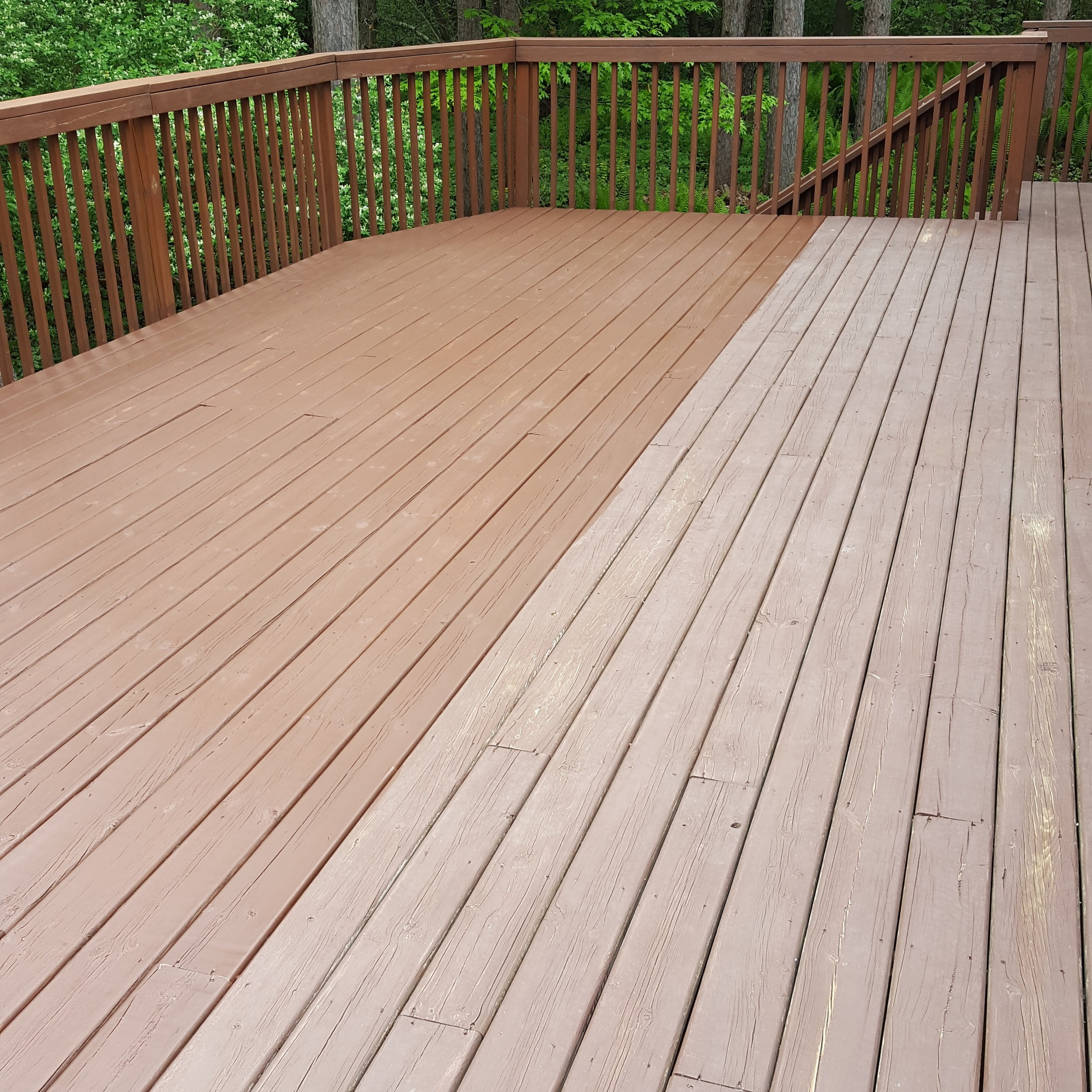 RaymondCraft_Deck_Cleaning_Before_After.jpg