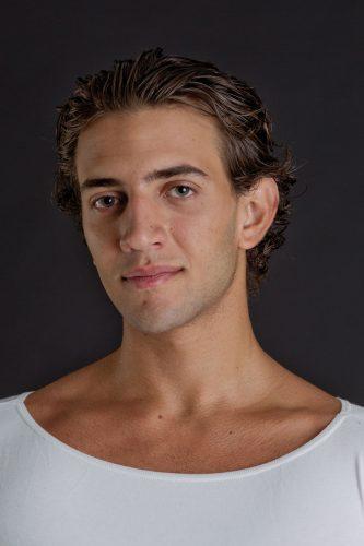MARCO ACCARDI   Geboren in Italien  Ausgebildet an der Opera di Roma Ballettschule und der Ballettschule des Hamburg Ballett   Stipendiat seit September 2017