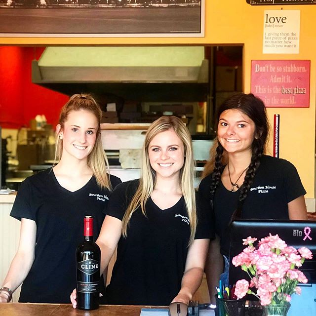 Here at Bourbon House we believe that the quality of service you receive is just as important as the quality of our food. Come on in and let our amazing staff take care of you. We hope to see you soon! 🍕🍻
