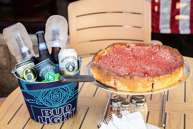 "It's #ThirstyThursday! 🍻Who doesn't love a good ""mix and match"" bucket + pizza?"