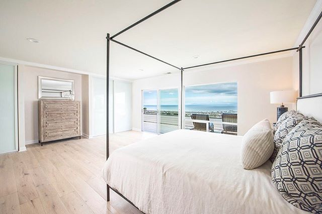 365 Loma Media ⠀⠀⠀⠀⠀⠀⠀⠀⠀ OPEN TODAY 1-4PM ⠀⠀⠀⠀⠀⠀⠀⠀⠀ Beautiful, newly renovated property on the American Riviera with sweeping ocean views.