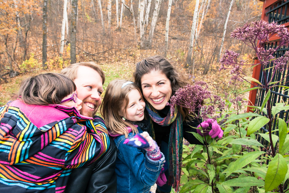 dora-berry-enjoys-nature-with-family