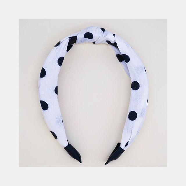 meet the white dot headband • this chic, one size all headband is comfortable and keeps hair away from your face in the cutest way. linen fabric knotted over a comfort fit headband. link in bio. #maisonsoba